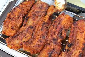 cuisiner poitrine de porc poitrine de porc grillée au saté la recette de cooking with morgane