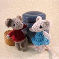 lucyravenscar crochet creatures little christmas mouse free
