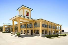 Hotels Next To Six Flags Over Texas Super 8 Grand Prairie Southwest Grand Prairie Hotels Tx 75052