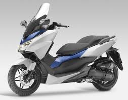 yamaha x max 400 un gt polyvalent à 5999 u20ac scooters vespa and cars