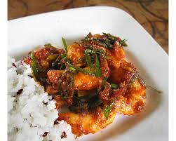 bien dans sa cuisine la crevette bien dans sa peau rehaussée de sauce gochujang la