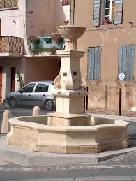 fontaine en pierre naturelle fontaine pourrières en pierre d u0027estaillades réalisations taille de