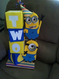 minions centerpieces minion centerpiece my creations minion