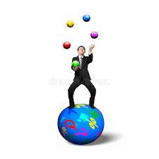 sedere di uomo uomo d affari che equilibra sulla sfera che manipola con le sedere