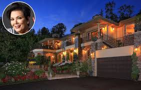Kris Jenner Backyard Kris Jenner U0027s House From Keeping Up With The Kardashians Hits The