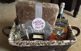 bridal shower gift baskets bridal shower gift basket ideas shower ideas