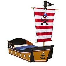 chambre bateau pirate lit enfant en forme de bateau de pirate couchage 70x140 cm willy