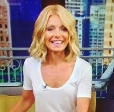 how to get kelly ripa wavy hair kelly ripa hair i like this but i would want it a bit longer
