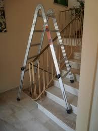 leiter f r treppe treppenhausleiter steht auf jeder treppe teleskopleiter und