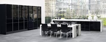cuisine laqué noir cuisine noir et blanc laqu beautiful beautiful cuisine sol damier