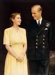Queen Elizabeth 2 Celebrating Queen Elizabeth Ii U0027s Signature Look For Her Sapphire