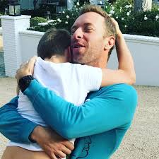 chris martin and gwyneth paltrow kids gwyneth paltrow shares sweet photo of her son moses reuniting with