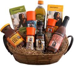 housewarming gift basket rachael gift ideas a housewarming gift basket that includes