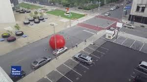 Weather Map Toledo Ohio by Video Wind Rain Release Giant Ball On Toledo Ohio