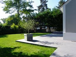 idee amenagement jardin devant maison amnager entre extrieure maison faade maison bardage bois peint