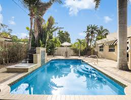 villa cascada 4br 2 kitchens heated pool near beach access