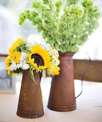 Centerpieces With Sunflowers by 25 Sunny Flower Arrangements Making Great Yard Decorations And