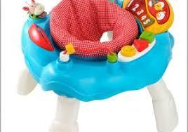 table activité bébé avec siege table d eveil avec siege 357159 table d activités musicales en