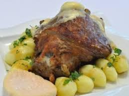 comment cuisiner un jarret de porc jarret de porc braisé au munster une recette par aelis cuisine