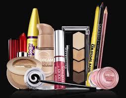 Bridal Makeup Box 10 Makeup Musts From Namrata Soni U0027s Vogue Wedding Show Masterclass