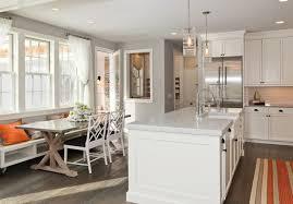 cuisine ouverte sur salle à manger idee deco salon cuisine ouverte 4 couleur de peinture pour salle