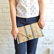 diy clutch handbag from a repurposed thrift store table runner