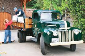 Ford Vintage Truck - old trucks and tractors in california wine country travel