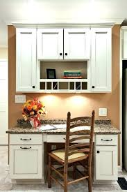 table escamotable dans meuble de cuisine meuble cuisine avec table escamotable cuisine avec ilot central et