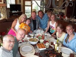 family dinner table interiors design