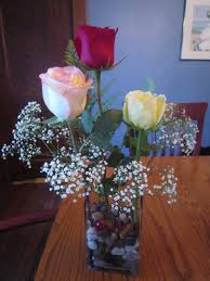 Arranging Roses In Vase Chuck Does Art Artfully Arranging Flowers Three Roses For Valentines