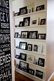 Floor To Ceiling Bookcase Plans Love These Photo Shelves That Go From Floor To Ceiling On This