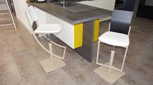 chaises cuisine design le petit mobilier du showroom chaises et tabourets