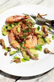 les cuisines de garance bouquet de crevettes roses grises aux mousserons les cuisines