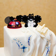 wars wedding cake topper wedding cake wednesday wars galaxy inspiration disney weddings