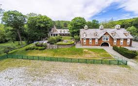 luxury real estate and homes equestrian lifestyle