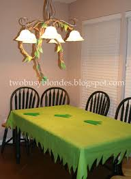 Party Table Covers Best 25 Party Table Cloths Ideas On Pinterest Plastic Tables