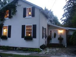Cottages In Niagara Falls by Niagara Falls On Canada Vacation Rentals Homeaway