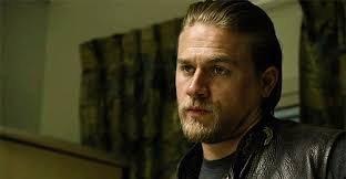 how to get the jax teller hair look when he gives this look of understanding charlie hunnam as jax