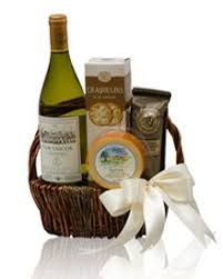 wine and cheese gifts for the holidays this year lastella winery and le vieux pin