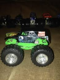 grave digger monster truck toy sim monsters