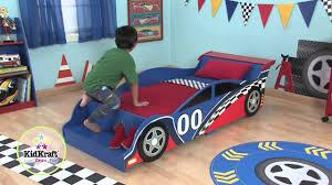 chambre voiture garcon lit voiture de course garçon
