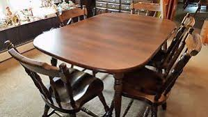 VINTAGE ROCK MAPLE DINING ROOM TABLE 4 CHAIRS 2 CAPTAIN CHAIRS