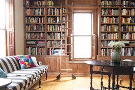 Inbuilt Bookshelf The Built In Library Shelves With Books Making It Lovely