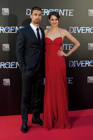 biography theo james shailene woodley and theo james photos photos divergent