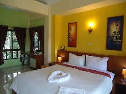chambre thailandaise ahurissant guesthouse chambres dhtes khao lak chambre