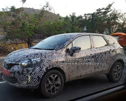 renault captur renault captur kaptur suv spied up close on indian highway