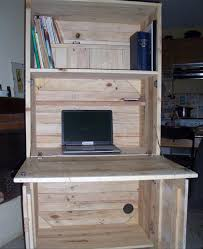 Homemade Wood Computer Desk by Diy Pallet Computer Desks Recycled Things
