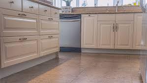 plancher cuisine bois cuisine plancher de cuisine passe partout plancher de at plancher