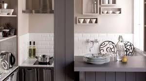 cuisine pour appartement cuisine équipée idées et conseils pour gagner de la place