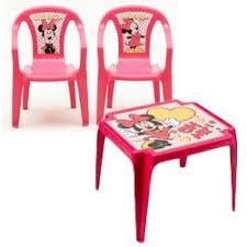 table et chaise minnie salon de jardin pour enfant minnie composé d une table et de 2